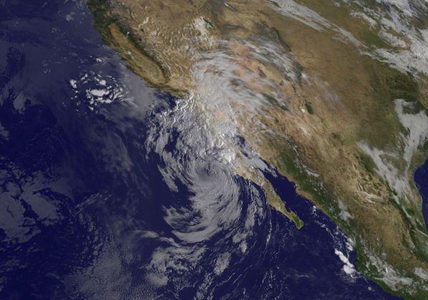 Das Tiefdruckgebiet Simon Quelle NASA