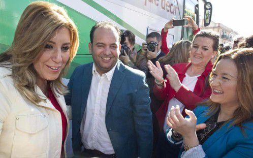"""Este tipejo es Diego Manuel ademas de socialista chulo acompañado de su jefa """"OMAITA"""""""