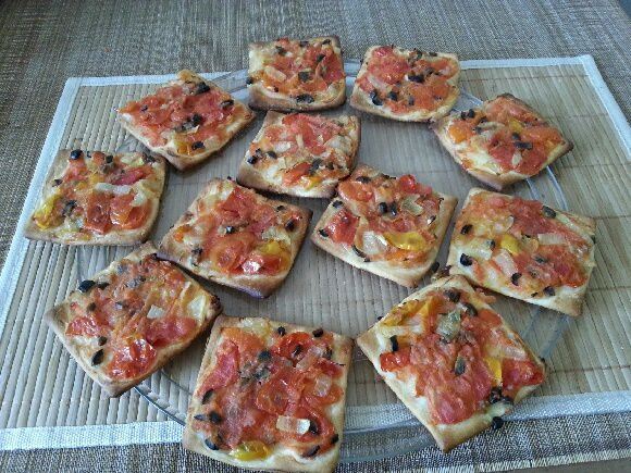 mini pizzas duo de tomates