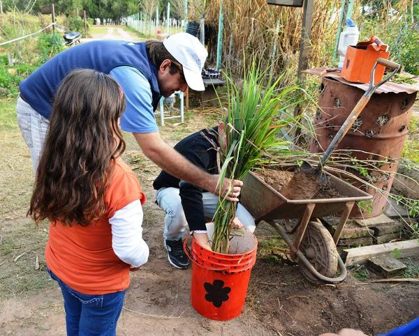 Pro-Huerta Chaco realizó talleres sobre aromáticas y huerta urbana