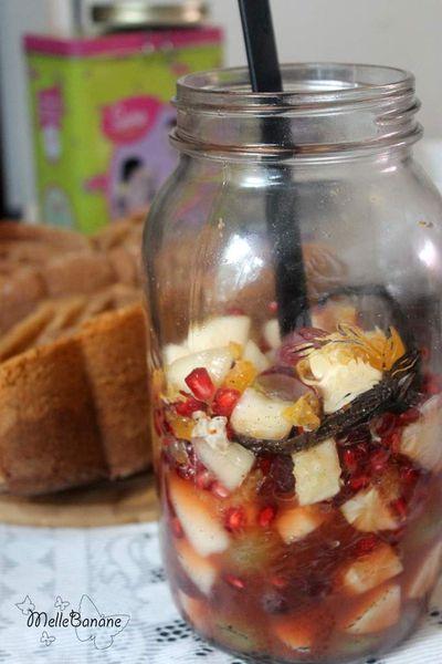 Salade de fruits d'automne en bocal