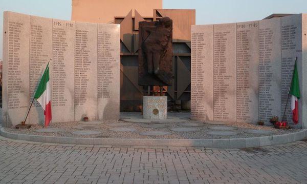 monumento nel cimitero