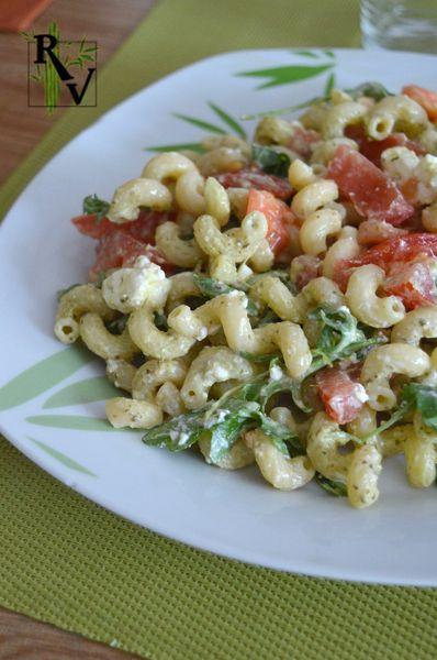 Salade tiède de Pâtes au Pesto, Roquette, Tomate &amp&#x3B; Feta