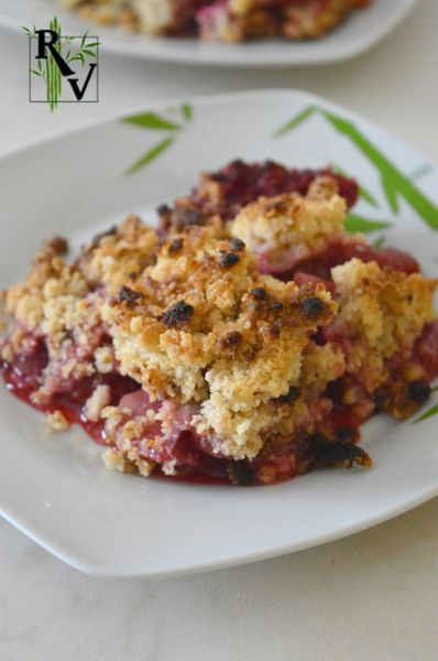 Crumble aux Prunes Rouges
