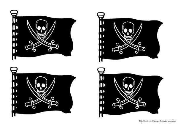 .. Anniversaire .. &quot&#x3B;gâteau bateau pirate et son coffre aux trésors&quot&#x3B;