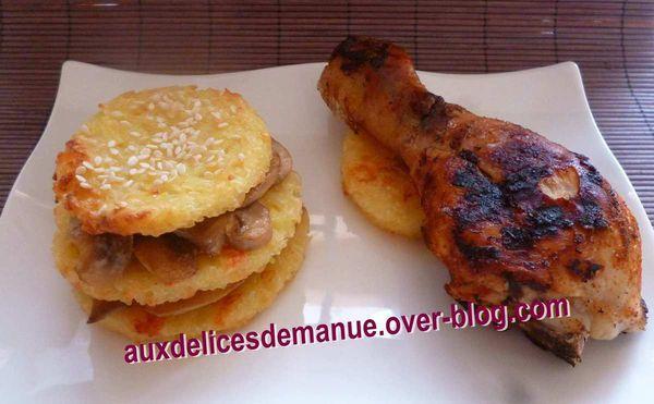 burger de pâtes aux champignons et pilons de poulet épicé grillés