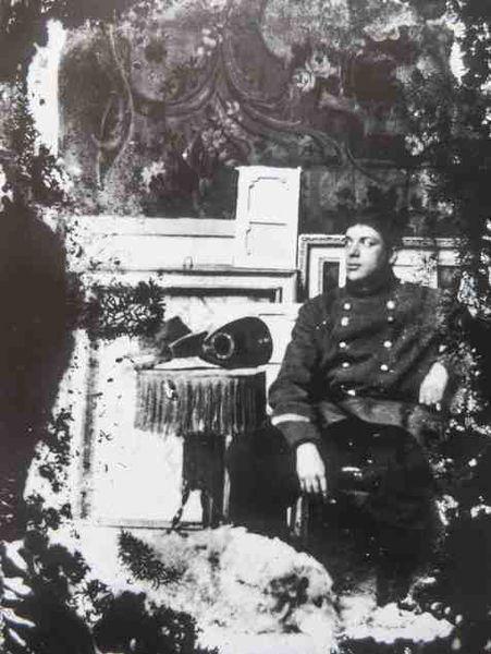 Portrait de Georges Braque dans l'atelier du boulevard de Clichy -1911