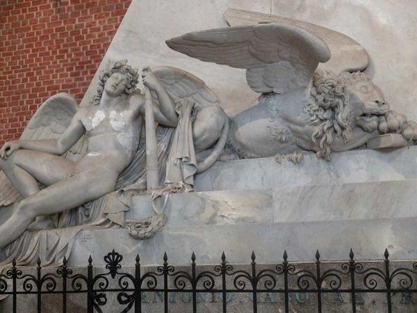 Venise-L'église de Santa Maria gloriosa dei Frari