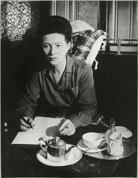 Simone de Beauvoir au café de Flore - Brassaï