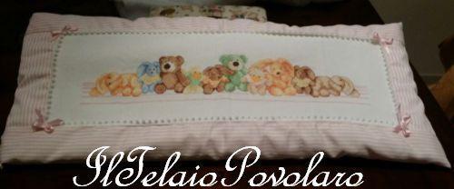 Un cuscinotto per il lettino .. con  tanti orsetti ed animaletti