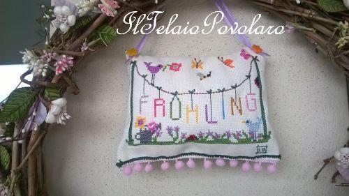 Farfalline,  fiorellini ed una scritta stesa al sole