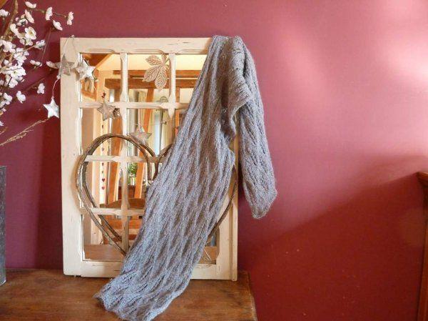 Le châle gris tricoté en ...  5 exemplaires !
