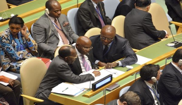 Une délégation congolaise à l'ONU. A dr, le ministre des AE