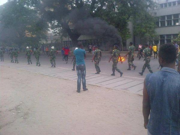Scènes de guerre à Kinshasa depuis lundi