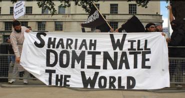 DROLE D'ETAT D'URGENCE QUI POURCHASSE ESSENTIELLEMENT LES ISLAMOPHOBES !