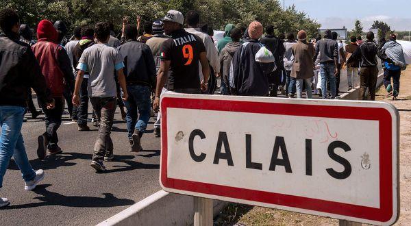 HALTE AUX TONNEAUX DE DANAIDES DES CALAIS PARTOUT !