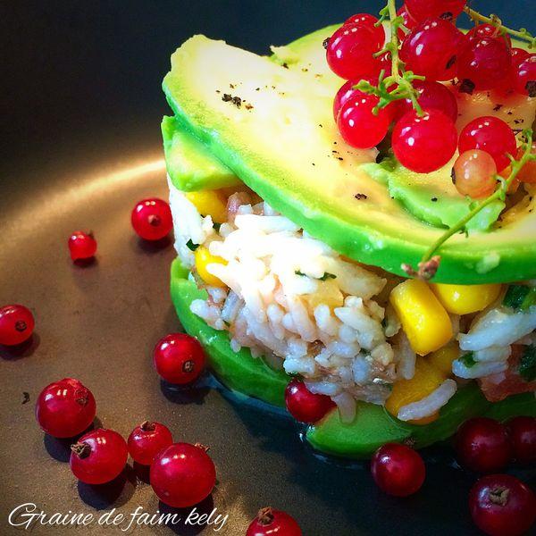 Salade de riz avocat pépites de groseilles