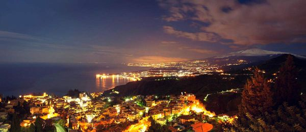 Traduction de Lights Of Taormina (de Mark Knopfler, Tracker, 2015)