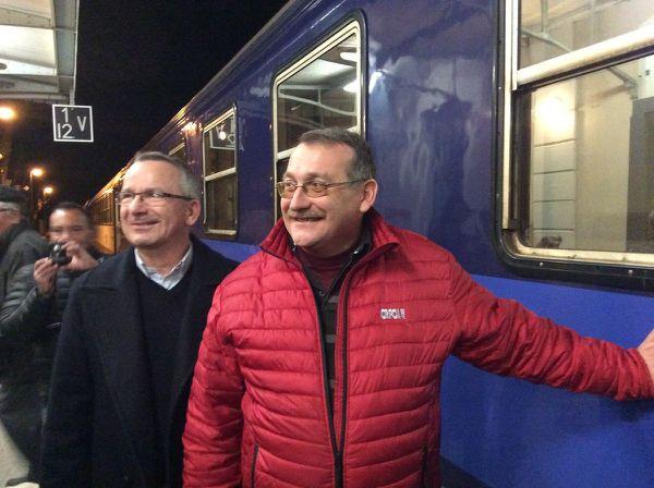Avec Joël Giraud devant le train de nuit à Embrun