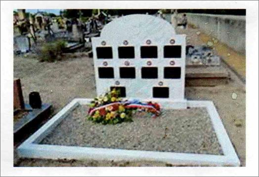 Exemple d'une tombe de regroupement financée et entretenue par le Souvenir Français.