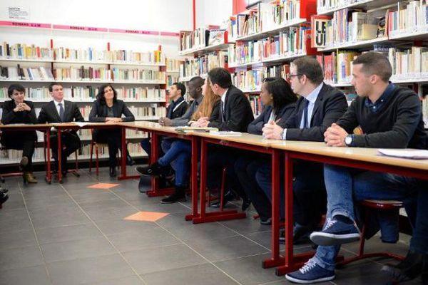 Des professeurs de Marseille écoeurés par «La mascarade» d'une visite ministérielle