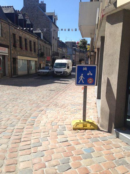 La rue des Ponts St Michel : Ça devient kafkaïen !