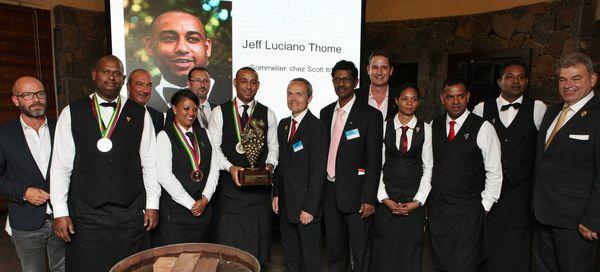 David Biraud a félicité Jeff Luciano Thomé, le vainqueur, ainsi que tous les candidats engagés dans cette phase finale. © Jean Bernard