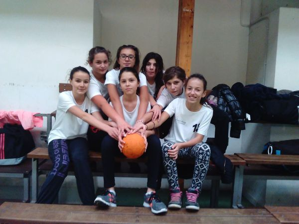 Les benjamines à Penne d'Agenais pour la finale de district en hand ball