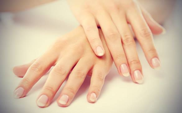 ASTUCE BLANCHIMENT D'ONGLES !