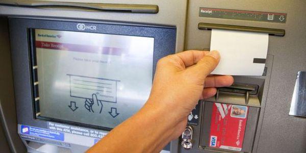 Vous utilisez les distributeurs automatiques de billets(DAB) ?Ne récupérez plus votre reçu en papier !Voilà pourquoi :
