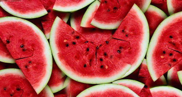 8 Avantages Incroyable santé de la consommation d'eau Melon