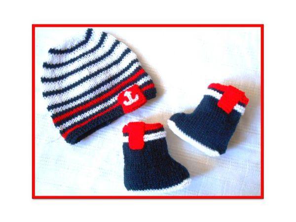 bonnet bébé et bottes style marin
