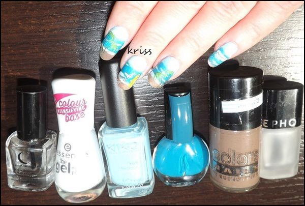 base coat SABRINA AZZI, en base blanche le ESSENCE wild white ways, le KIKO 525, le SEPHORA L16 curaçao, le COLORS NAILS N28 et le top coat mat SEPHORA.