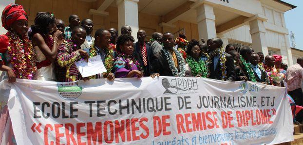 Bukavu : l'Ecole technique de journalisme reçoit du matériel de plus de 20 mille dollars
