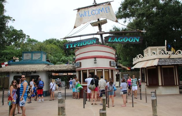 Disney's Typhoon Lagoon : Water Park