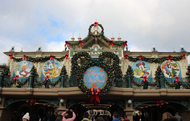 Le Noël enchanté à Disneyland Paris (2016)