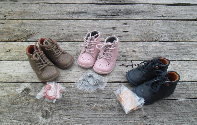 Ses premières chaussures.... *(cadeau)