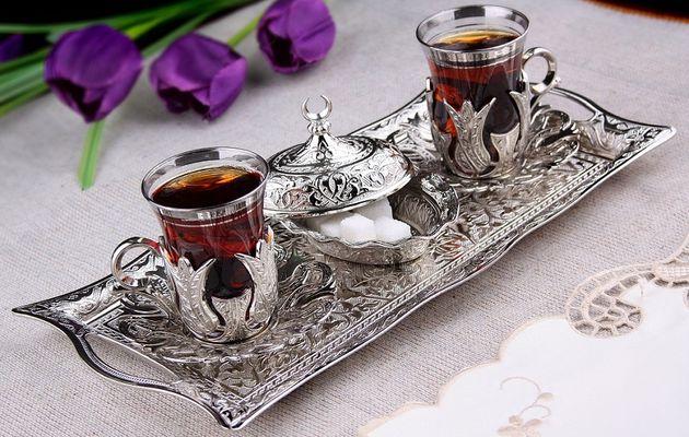 Services à thé / أطقُم شاي رائعة