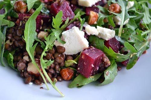 Salade de Lentilles, Betteraves, Chèvre, Noisettes et Roquette
