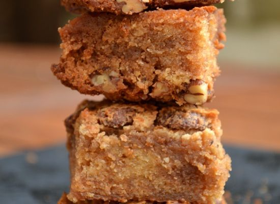 Brownie Marbré Hyper Gourmand - Chocolat Noir, Chocolat Blanc, Caramel et Noix de Pécan