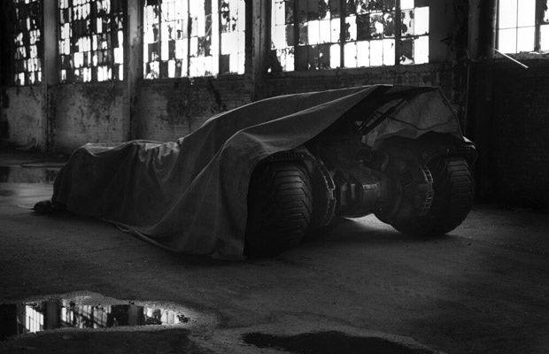 Batmobile teaser par Zach Snyder su Twitter