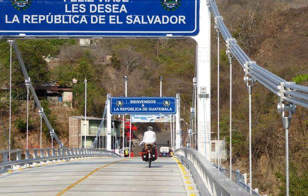 Los Esclavos, Guatemala à vélo 23 Février 2017. Adios El Salvador. Bienvenidos Guatemala.