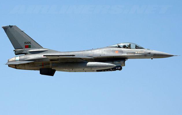 La Roumanie achète des F-16 au Portugal