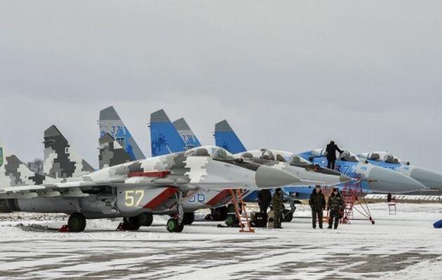 L'Ukraine remet en service deux Mig-29 et deux Su-27
