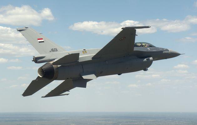 Les F-16IQ de la Force Aérienne Irakienne effectuent leurs premières frappes aériennes