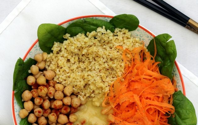 Buddha Bowl: Boulgour, carotte, épinards et pois chiches (+ idées recettes)