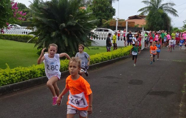 Arue : Vaimato Run de Noël 2014
