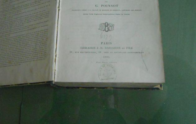 Une exposition décalée: l'esprit carabin vise l'académie à l'école de médecine navale de Rochefort
