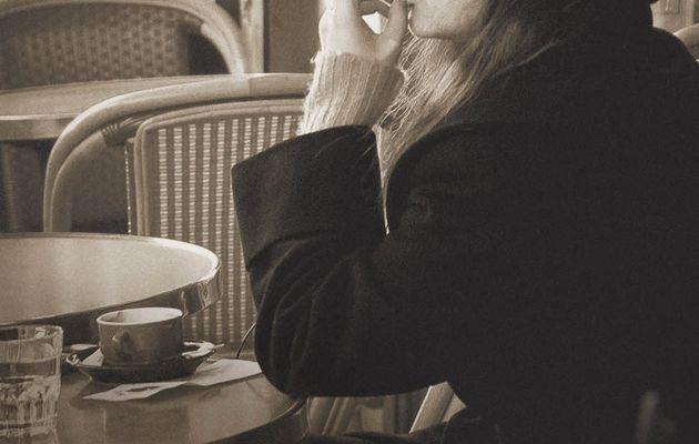 {Lecture} Les gens heureux lisent et boivent du café / Agnès Martin-Lugand