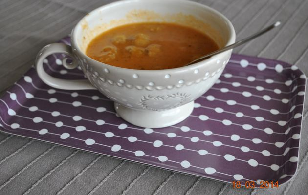 Soupe tomate, boulettes►